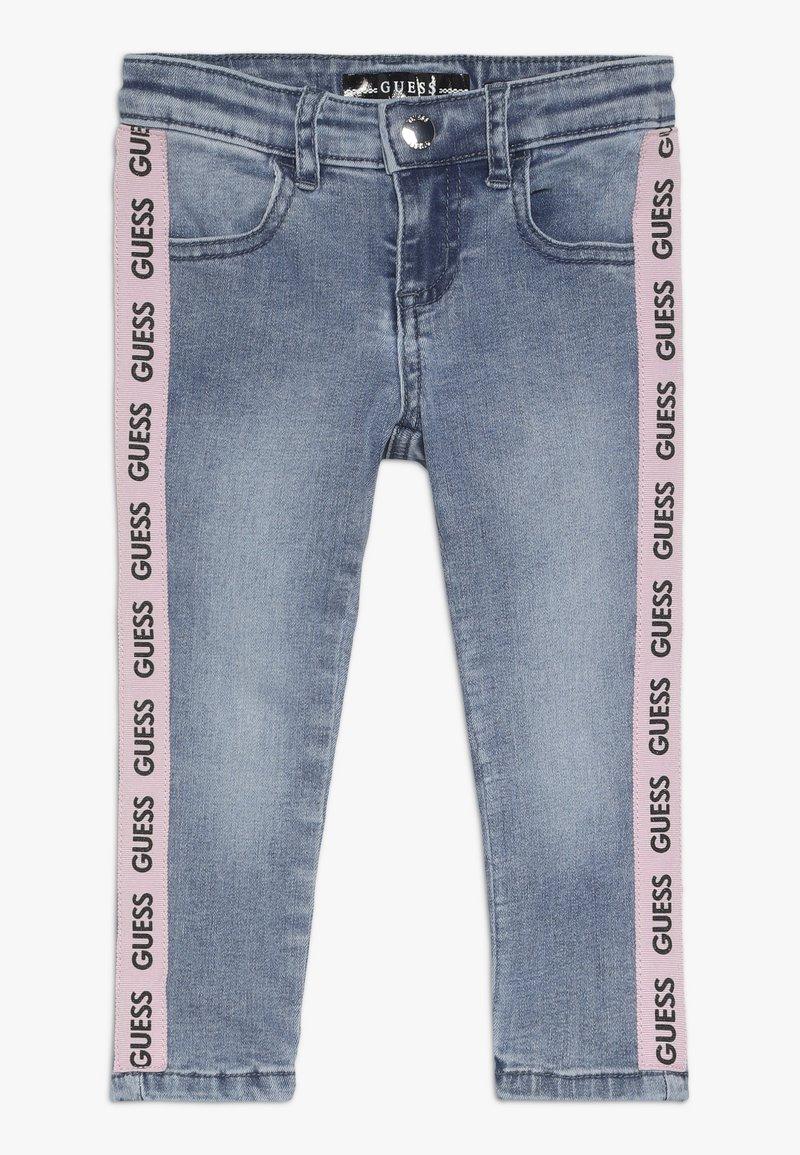 Guess - TODDLER SKINNY - Skinny džíny - medium vintage blue