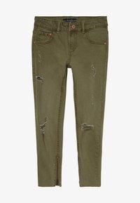 Guess - JUNIOR BULL - Jeansy Straight Leg - light military green - 2