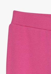 Guess - JUNIOR ACTIVE PANTS ICON - Verryttelyhousut - rose tint - 2