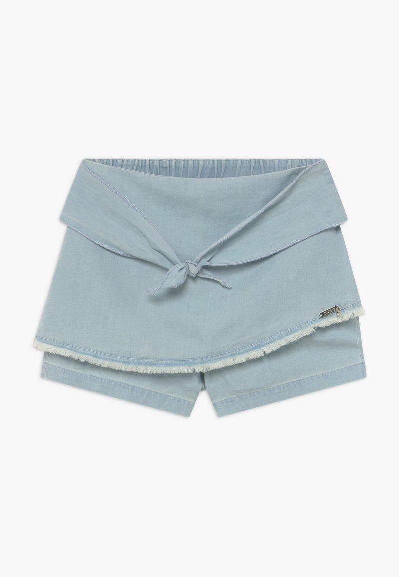 Guess - JUNIORCHAMBRAY - Denim shorts - vivi vintage light
