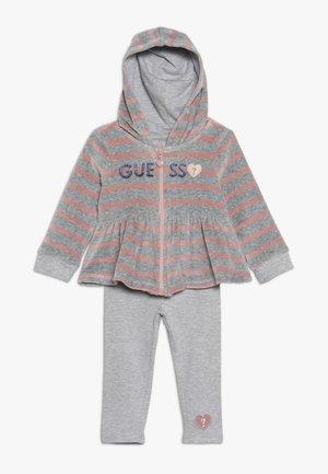 CHENILLE HOODED ZIP BABY SET - Hoodie met rits - melange grey