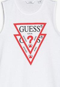 Guess - DRESS - Denní šaty - true white - 3