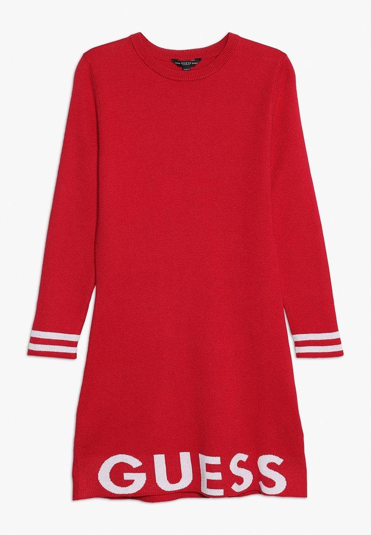 Guess - JUNIOR DRESS - Sukienka dzianinowa - electric crimson