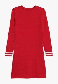 Guess - JUNIOR DRESS - Sukienka dzianinowa - electric crimson - 1