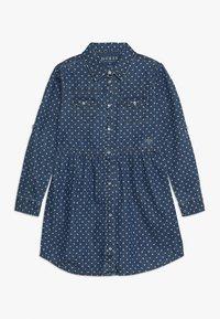 Guess - JUNIOR DRESS CORE - Denimové šaty - blue denim - 0