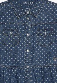 Guess - JUNIOR DRESS CORE - Denimové šaty - blue denim - 5