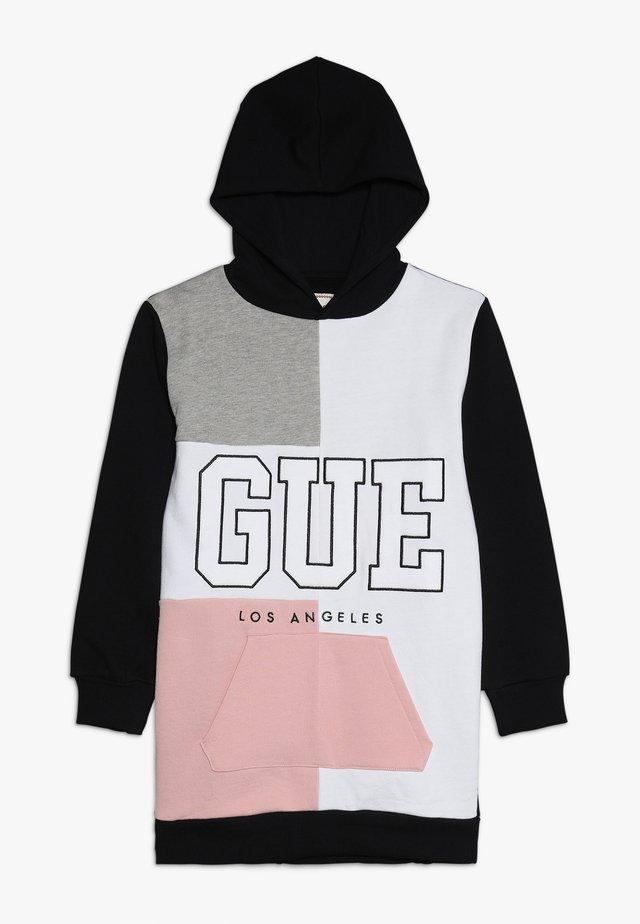 JUNIOR EXCLUSIVE DRESSES - Freizeitkleid - grey/light pink