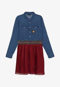 Guess - JUNIOR SLEEVE DRESS - Jeansklänning - light blue denim - 2