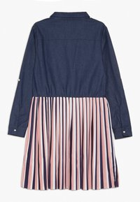 Guess - JUNIOR SLEEVE DRESS - Denim dress - storm dark blue - 1