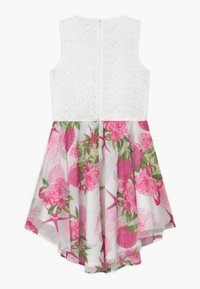 Guess - JUNIORMIXED DRESS - Koktejlové šaty / šaty na párty - seashell pink - 1