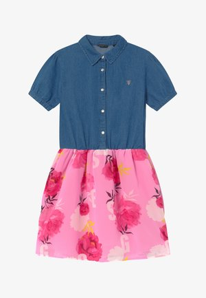 JUNIOR MIXED - Denimové šaty - light-blue denim/light pink