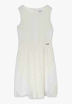 DRESS MARCIANO - Robe de soirée - blanc pur