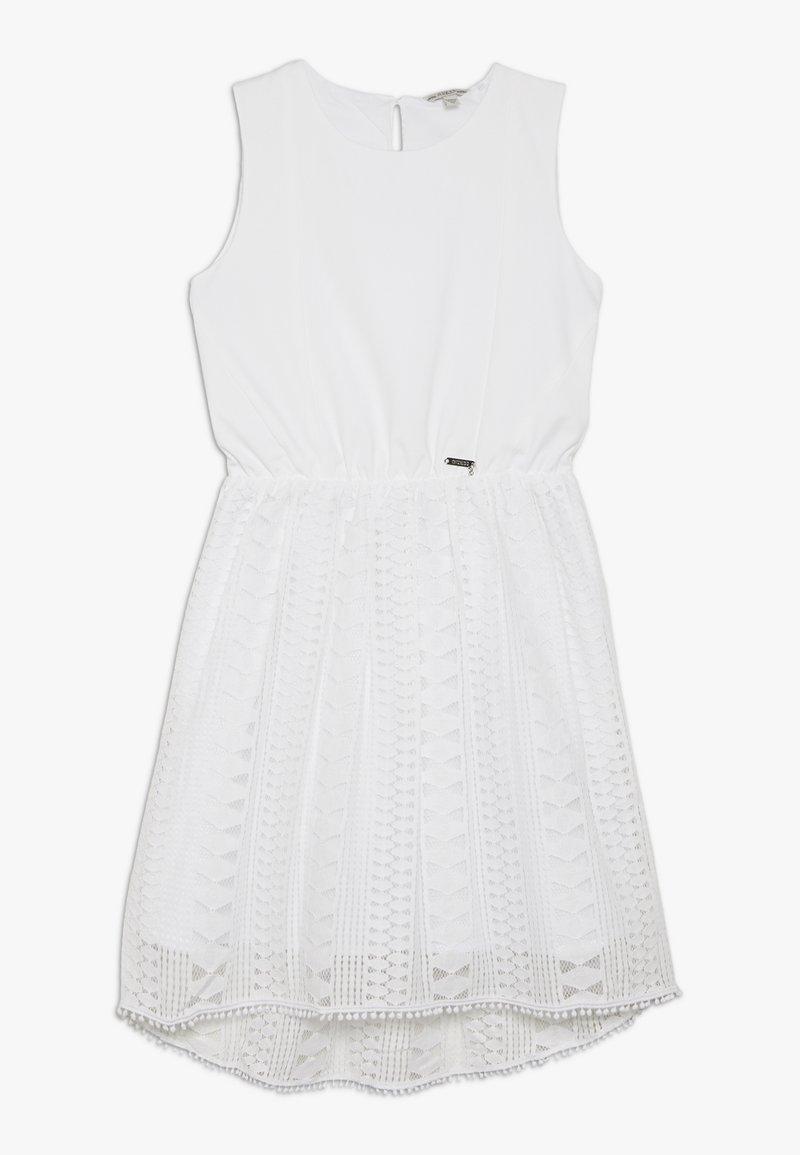 Guess - JUNIOR DRESS - Sukienka z dżerseju - true white