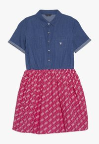 Guess - JUNIOR MIXED FABRIC SLEEVES DRESS - Robe en jean - vintage dark blue - 0