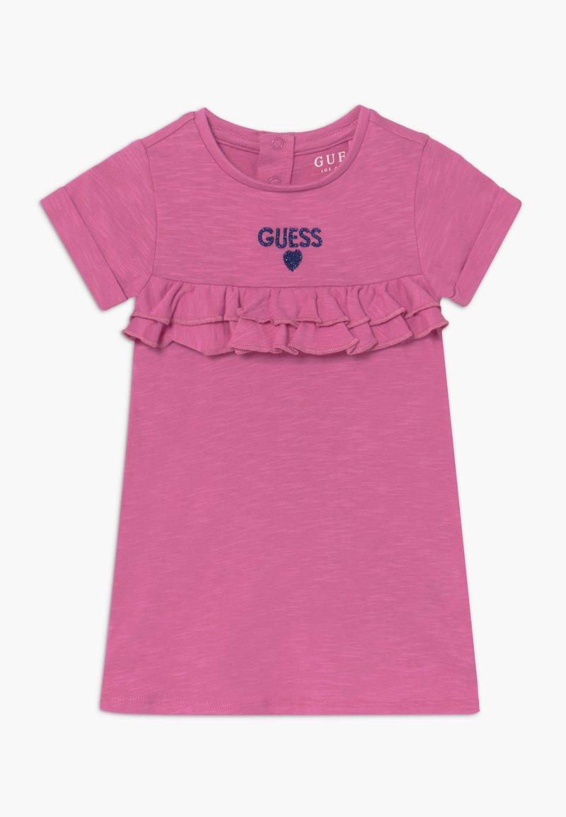 Guess - DRESS PANTIES BABY - Žerzejové šaty - candy orchid