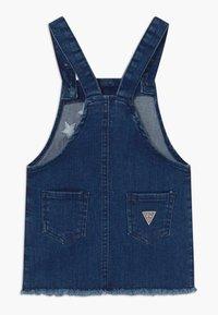 Guess - TODDLER - Vestito di jeans - darker blue wash - 1