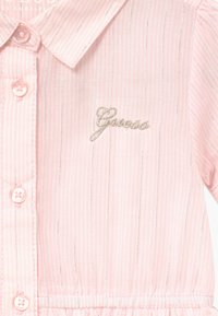 Guess - STRIPED BABY - Robe chemise - pink/white - 4