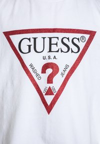 Guess - JUNIOR CROPPED CORE - Print T-shirt - blanc/true white - 2