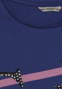 Guess - JUNIOR - Camiseta estampada - wild blue - 2