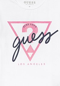 Guess - JUNIOR - Camiseta estampada - true white - 3