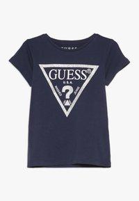 Guess - TODDLER CORE - T-shirt z nadrukiem - deck blue - 0