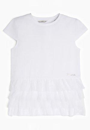GUESS SHIRT NETZEINSATZ - T-shirt imprimé - weiß