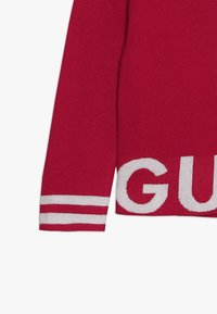 Guess - JUNIOR CUT OUT - Neule - electric crimson