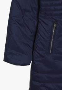 Guess - JUNIOR PADDED HOODED LONG JACKET - Płaszcz zimowy - deck blue - 2