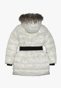 Guess - JUNIOR SHINY PADDED HOODED JACKET - Zimní kabát - white clay - 1