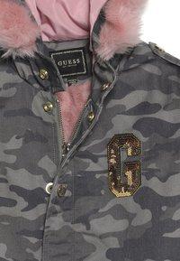 Guess - JUNIOR DRILL  - Zimní kabát - green - 3