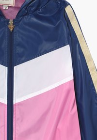 Guess - JUNIOR HOODED ACTIVE - Light jacket - geometric pink blue - 3