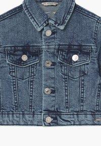 Guess - TODDLER DENIM JACKET - Giacca di jeans - space medium wash - 3