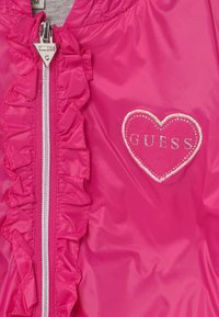 Guess - HOODED JACKET BABY - Allvädersjacka - rouge/shocking pink - 3