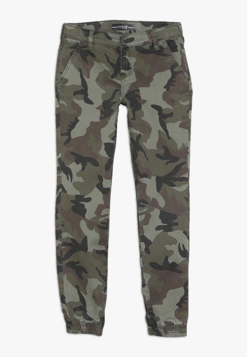 Guess - JUNIOR PANTS - Jeans fuselé - green