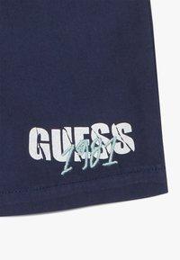 Guess - SET  - Kraťasy - blue/white - 3