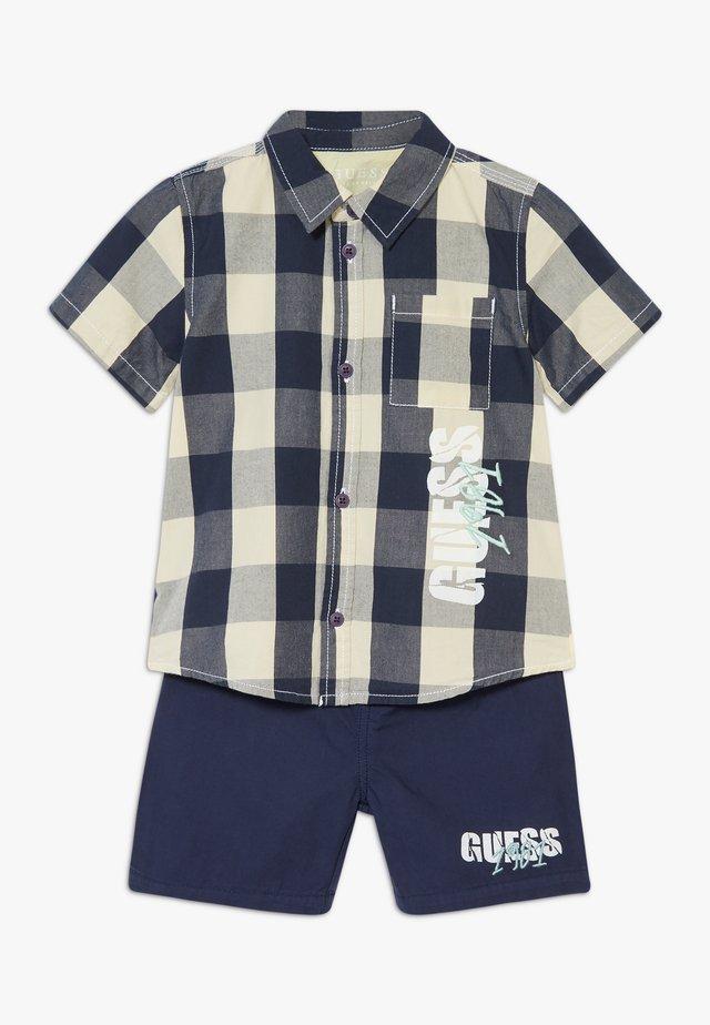 SET  - Shorts - blue/white