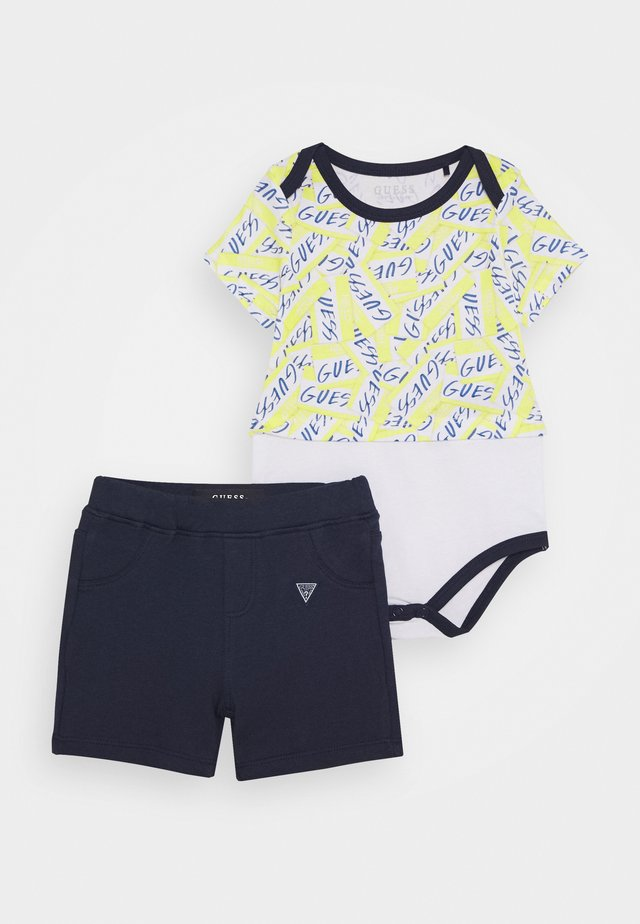 BODY SHORTS SET - Print T-shirt - yellow