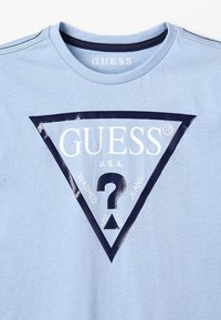 Guess - T-shirt con stampa - frosted blue - 3