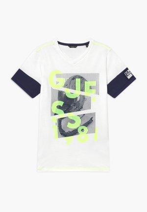 JUNIOR - Print T-shirt - blanc pur