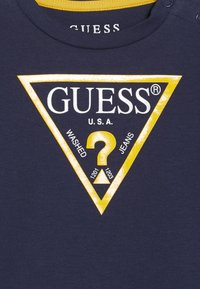 Guess - CORE BABY - Camiseta estampada - deck blue