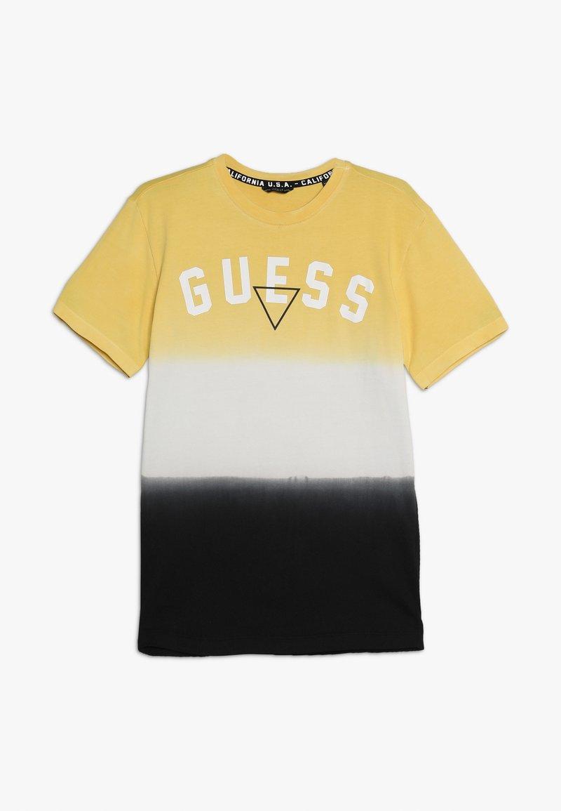 Guess - JUNIOR  - Camiseta estampada - yellow/black fantasy
