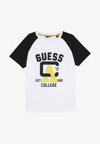 Guess - JUNIOR - T-shirt z nadrukiem - true white - 3