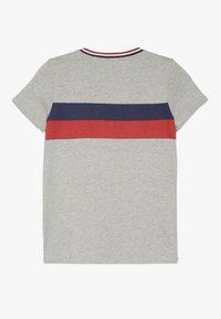 Guess - JUNIOR - T-shirt z nadrukiem - grey - 1