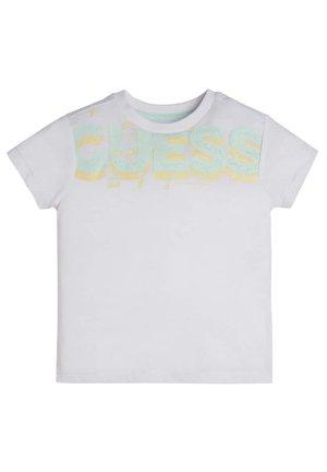 GUESS LOGO - T-shirt basic - weiß