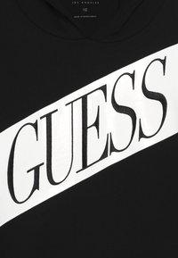 Guess - JUNIOR ACTIVE - Bluza z kapturem - jet black - 2