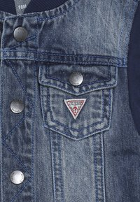 Guess - JACKET SLEEVE BABY - Veste en jean - jordi faded blue - 3