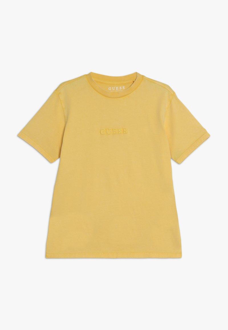 Guess - JUNIOR UNISEX OVERSIZE  - Jednoduché triko - gold rush yellow