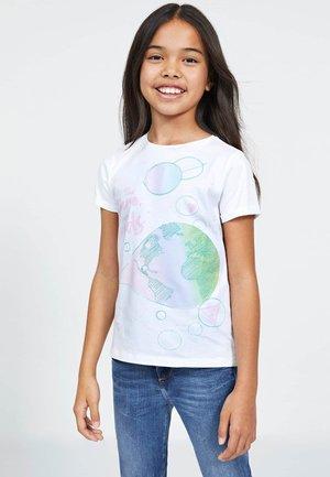 GUESS T-SHIRT LOGO - Print T-shirt - weiß
