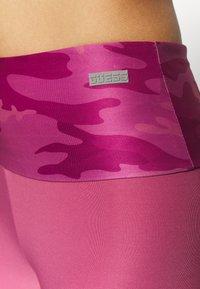 Guess - LEGGINGS - Legging - pink - 5