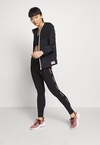 Guess - LEGGINGS - Punčochy - jet black - 1